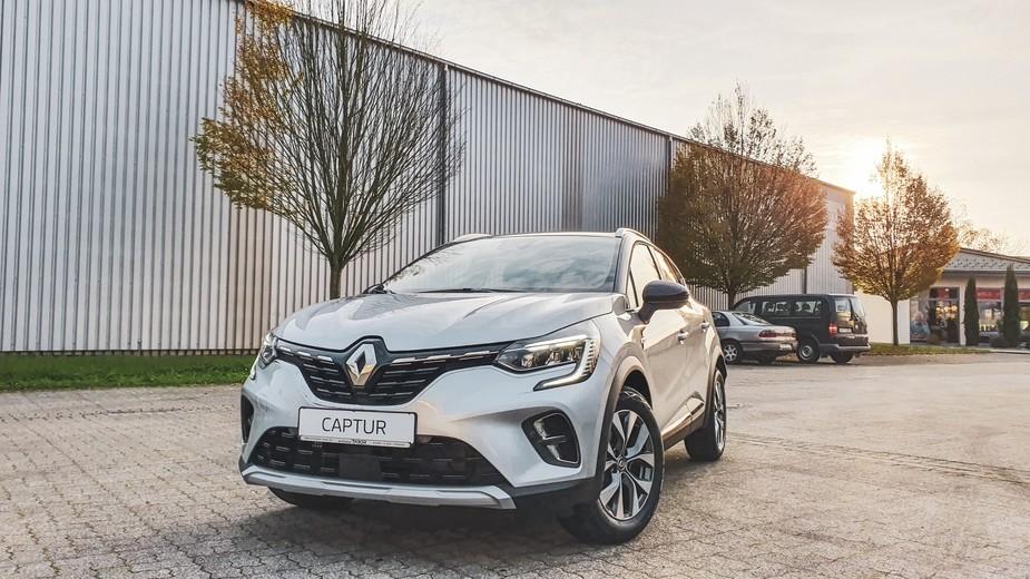 Renault Captur silber