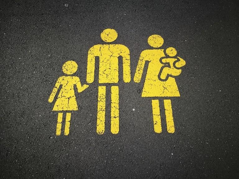 Familien-Icon auf Straße