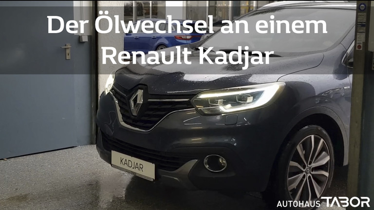 Renault Kadjar vor Hebebühne