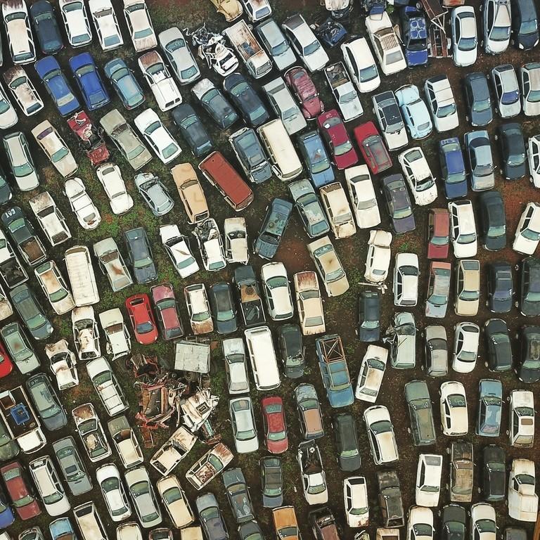 Viele Fahrzeuge von oben